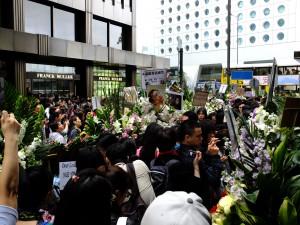 レスリーチャン追悼の人々