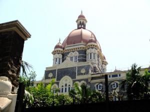 宮殿上部の最高級の部屋外観(1泊約4百万円?)、タージマハル・パレス、ムンバイ