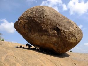 転げない石、マハーバリプラム