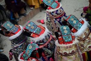 着飾った6人の女、ストンデ・ゴンパ
