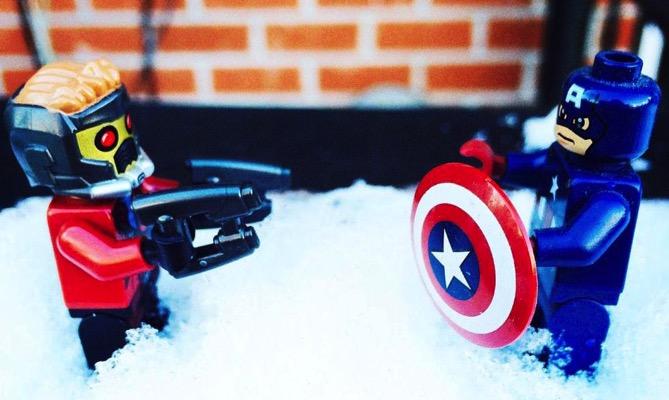 「キャプテン・アメリカVSスターロード」のアメフト対決は、両者がチャリティーに参加することで決着!