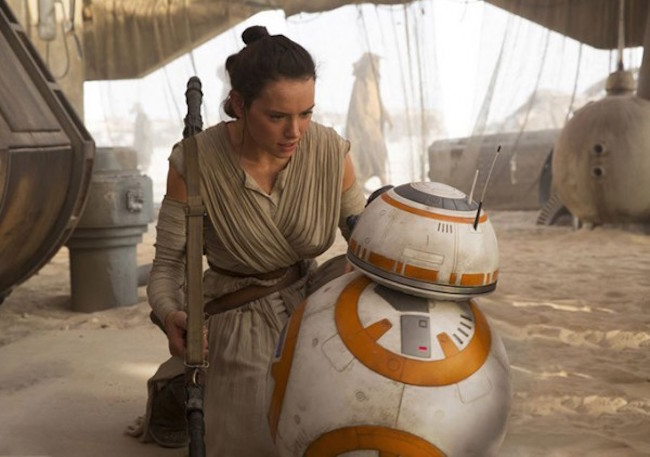 Star wars the force awakens daisy ridley bb 8 600x422