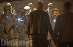 star-wars-the-force-awakens-deleted-scenes-stormtroopers.jpg