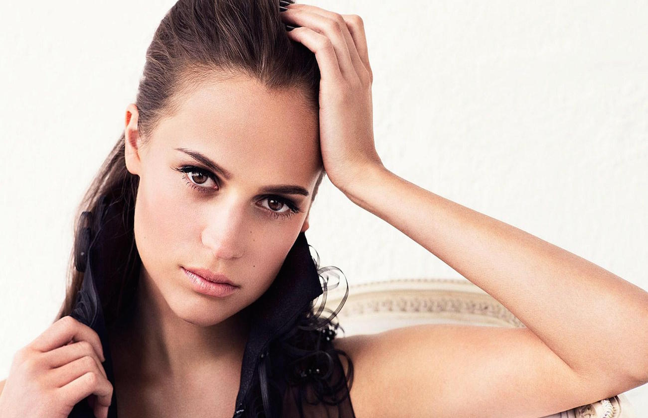 via-Amazing-Alicia-Vikander-Wallpaper.jpg
