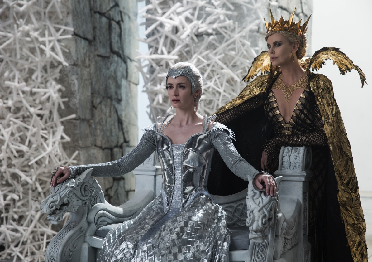 The huntsman winters war emily blunt charlize theron