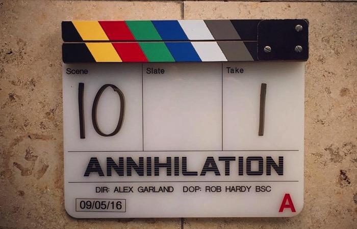 『エクス・マキナ』アレックス・ガーランド監督最新作『Annihilation(全滅領域)』の現場写真が公開!