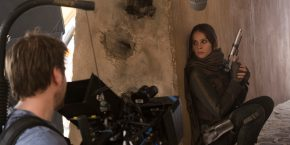 rogue-one-set-image-felicity-jones-gareth-edwards.jpg
