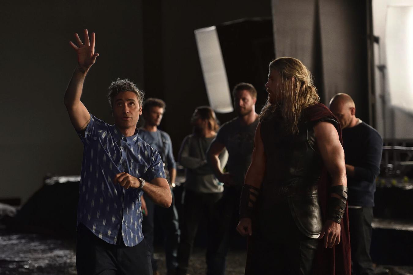 Thor ragnarok chris hemsworth taika waititi