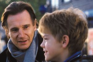 love-actually-liam-neeson-thomas-brodie-sangster.jpg