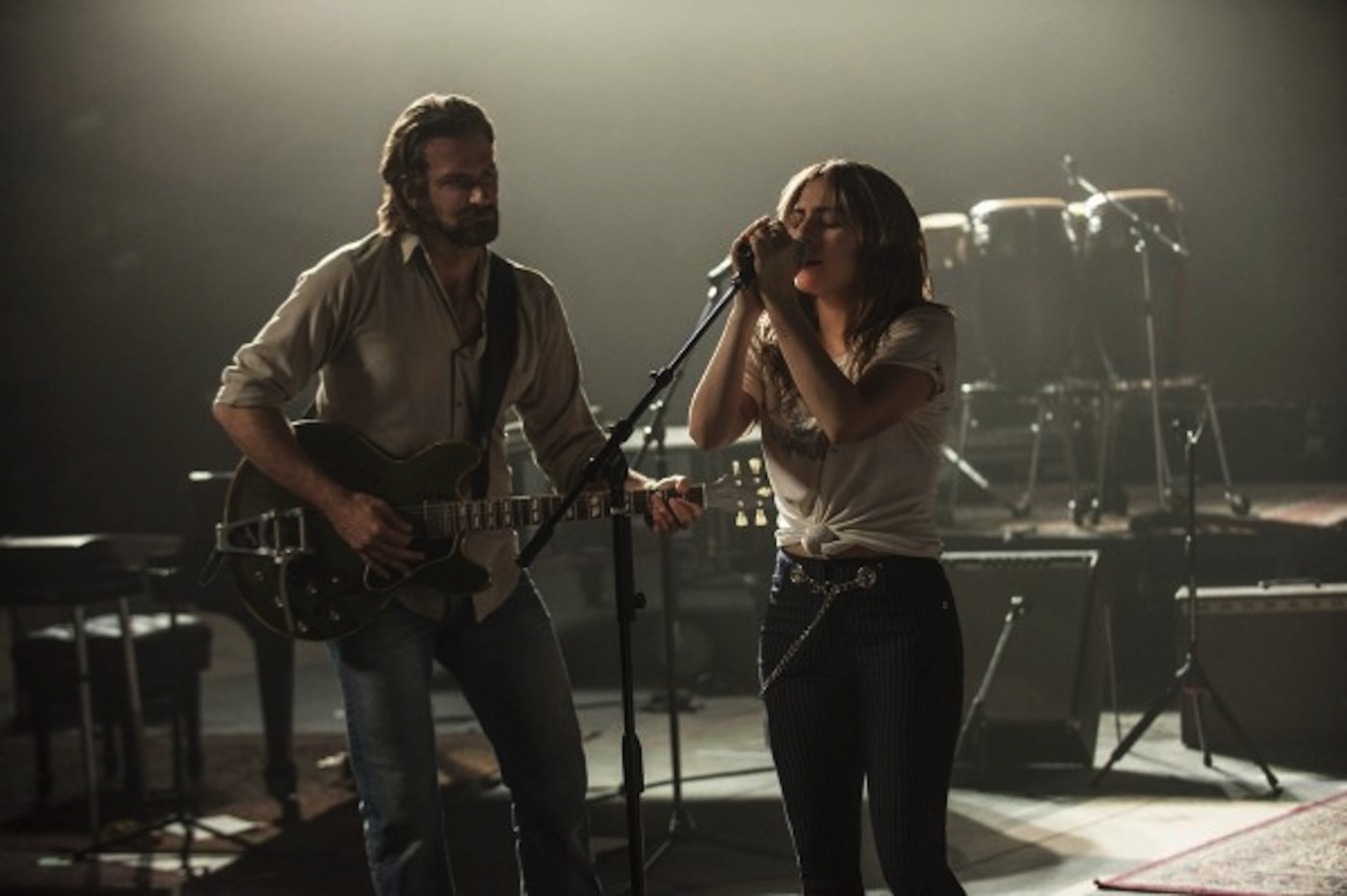 A star is born lady gaga bradley cooper 600x399